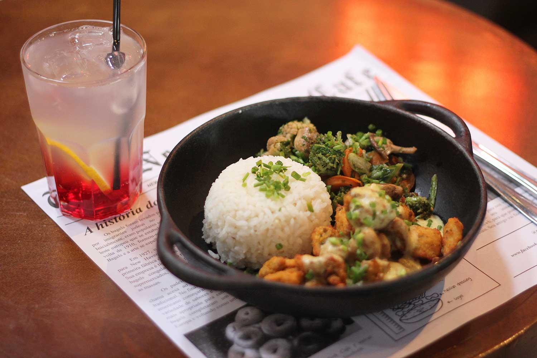 New York Café volta a abrir no almoço com cardápio exclusivo